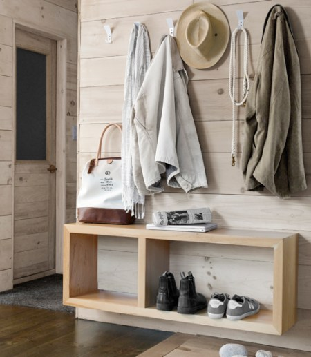 Scandinavian small entryway
