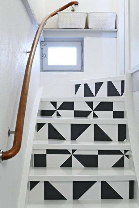quedamos en decoración papel decoración escaleras escaleras al sótano en blanco diy escaleras decoración diseño de escaleras decoración diseño interiores nórdicos decoración de interiores decoración de escaleras deco bloggers blog diseño nordico blog decoración nórdica