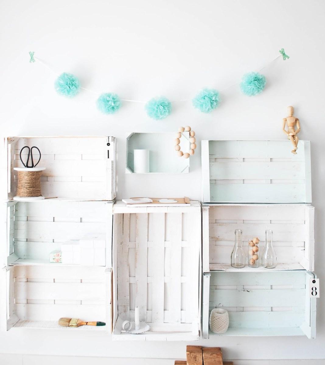 Diy organizar con cajas de fruta recicladas blog - Como decorar una pared con madera ...