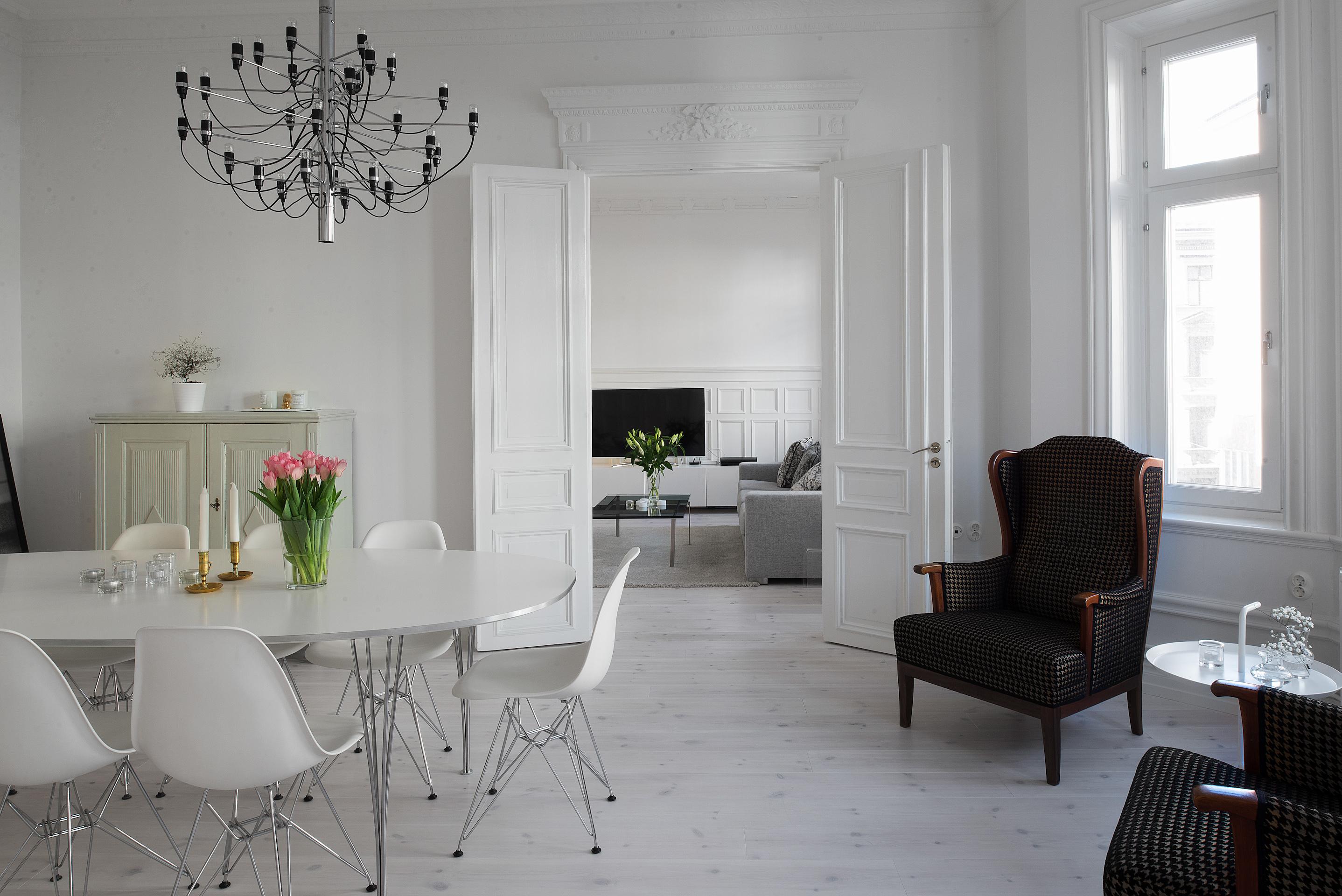 Piso elegante y moderno con elementos originales blog Pisos modernos para casas minimalistas