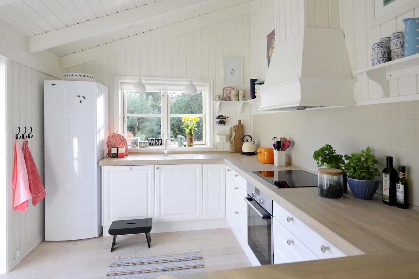 Luminoso interior de una casa de verano danesa blog tienda decoraci n estilo n rdico - Blog de decoracion de interiores ...