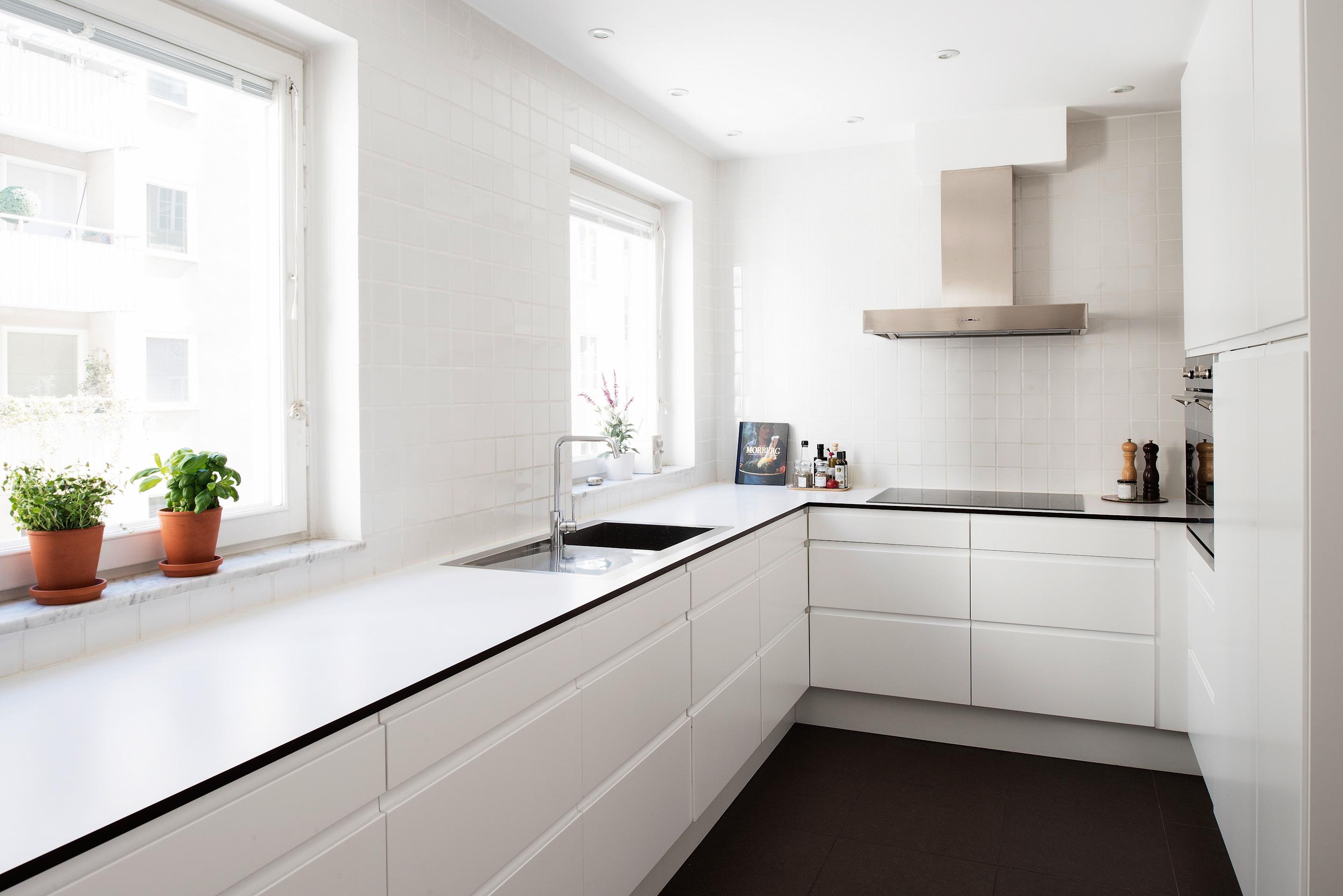 Cocinas modernas blancas good regan baker cocina blanca for Cocinas blancas