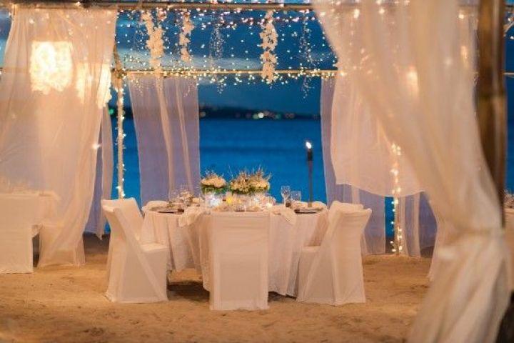mesas celebración bodas Idílicas mesas y bodas en la playa eventos junto al mar estilismo de bodas decoración romántica decoración femenina decoración exterior decoración eventos blog decoración nórdica