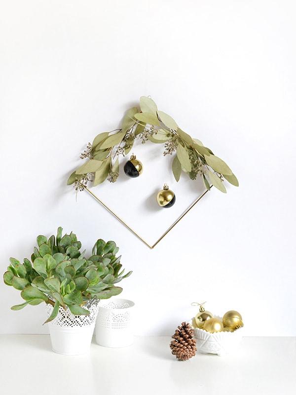 Festive Holiday Wreath 6