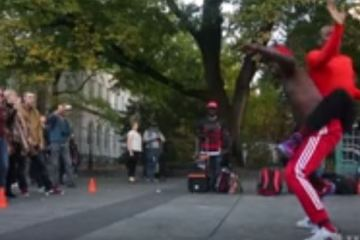 NYC street performers breakdancing