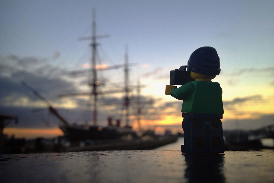 Lego Star Wars Iphone Wallpaper This Guy Spends 365 Days Following This Tiny Legographer