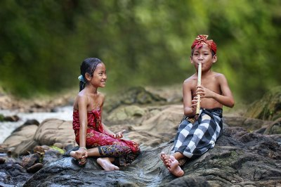 Everyday Lives Of Villagers In Indonesia Captured In ...