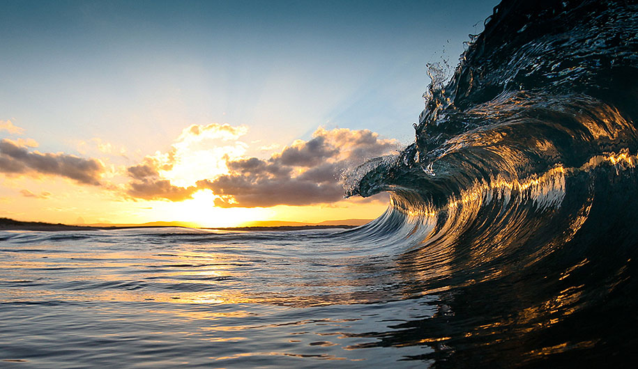 Animated Sunset Wallpaper The Majestic Power Of Ocean Waves Captured By Warren Keelan