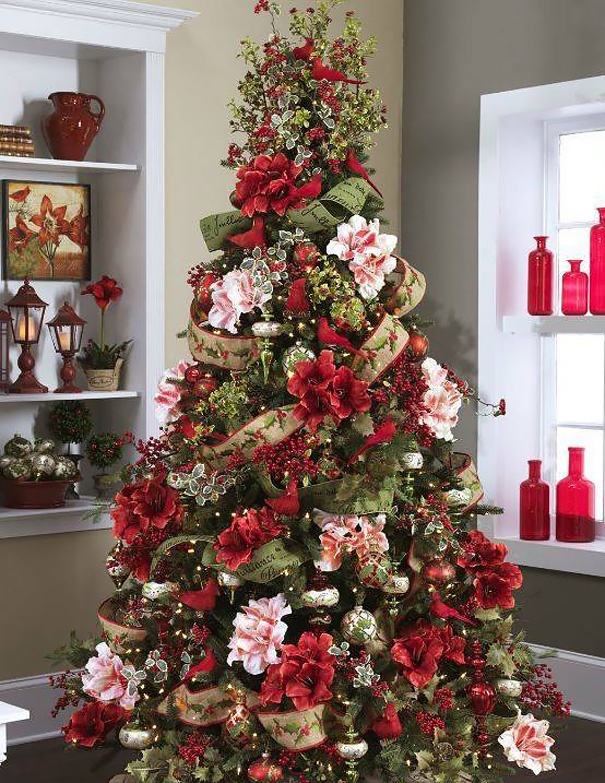 People Use Flowers To Decorate Their Christmas Trees And It\u0027s Beautiful