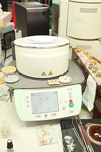 e.max(lvoclar vivadent) プログラマットP700