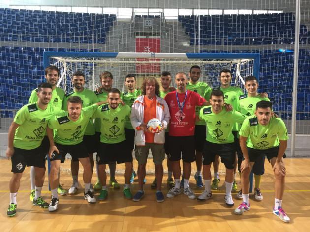 El Palma Futsal posa con Jan Ahlberg, entrenador sueco