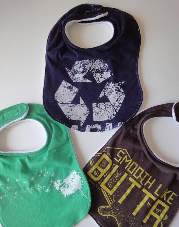 reciclar-camiseta-babero-diy