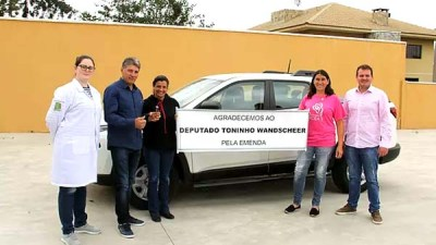 Veículo-foi-entregue-nesta-semana-pelo-prefeito-Luís-Antônio-Biscaia