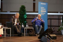 (G. Wallraff mit RTL-Chefredakteur M. Wulf - Foto: DLF/Fürst-Fastré)