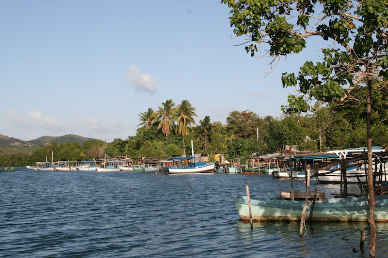 Bateaux dans le fleuve Guaurabo