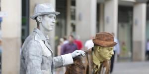 Ferenc Galyas als lebende Statue