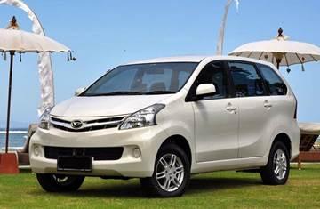 Toyota Avanza atau Daihatsu Xenia