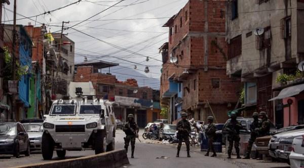 """LEYENDA: """"Lamentablemente estas estructuras ya están regadas por todo el país y la respuesta del estado fue el despliegue de la Operación de Liberación al Pueblo"""", Humberto Prado"""