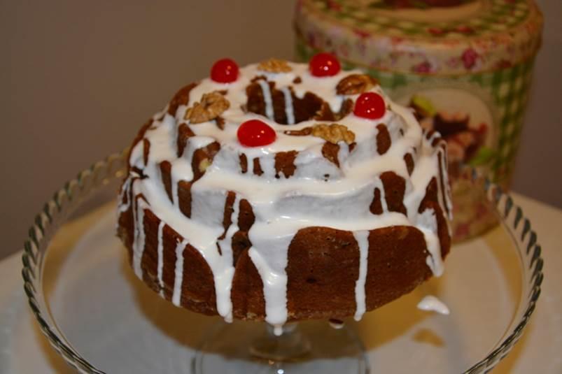 torta-negra-glaseada-blanca