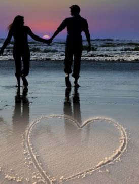 Cute Couples Holding Hands Wallpapers Holding Hands On The Beach Desicomments Com