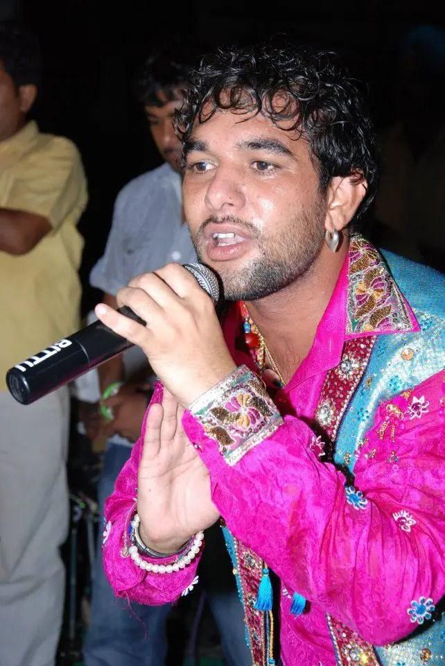 Funny Wallpapers Quotes In Hindi Singer Sai Gulam Jugni Ji Desicomments Com