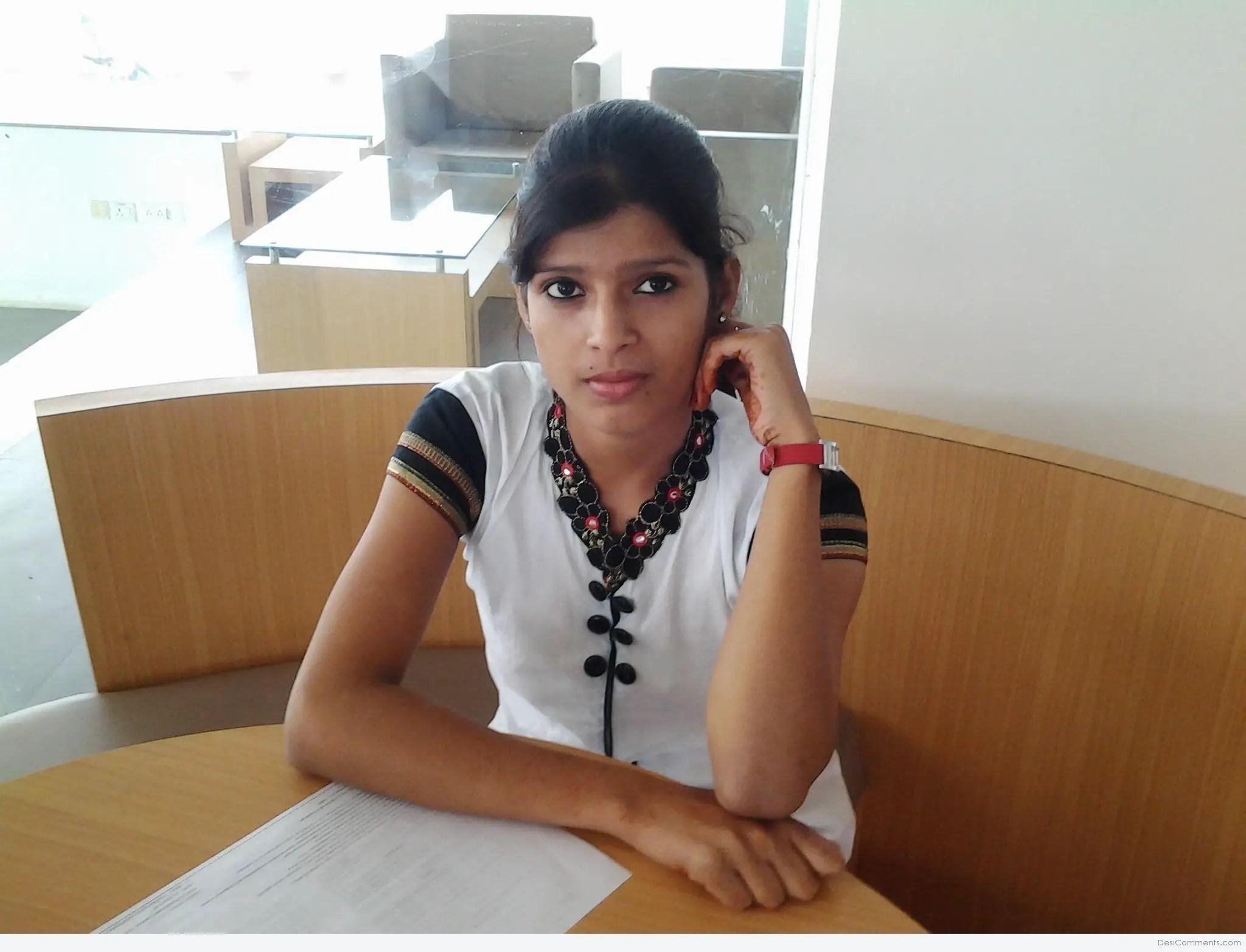 Punjabi Boy And Girl Wallpaper Beautiful Indian Girl Desicomments Com