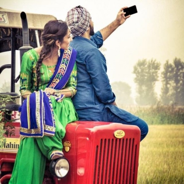 Cute Couple Fighting Wallpaper Beautiful Punjabi Couple Desicomments Com