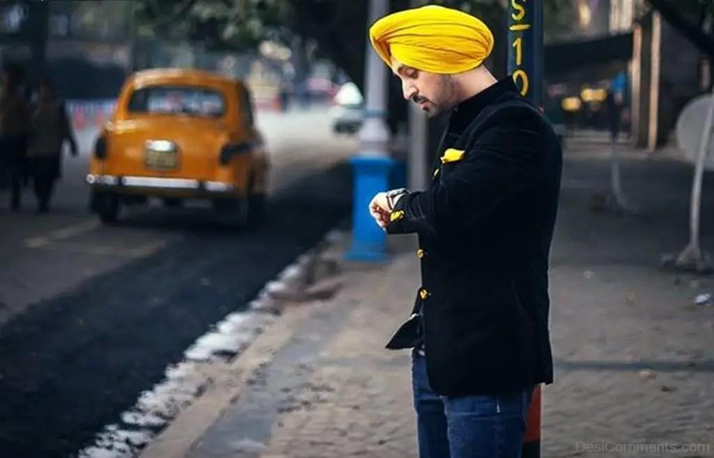 Hindi Quotes Wallpaper Sad Diljit Dosanjh In Yellow Turban Desicomments Com