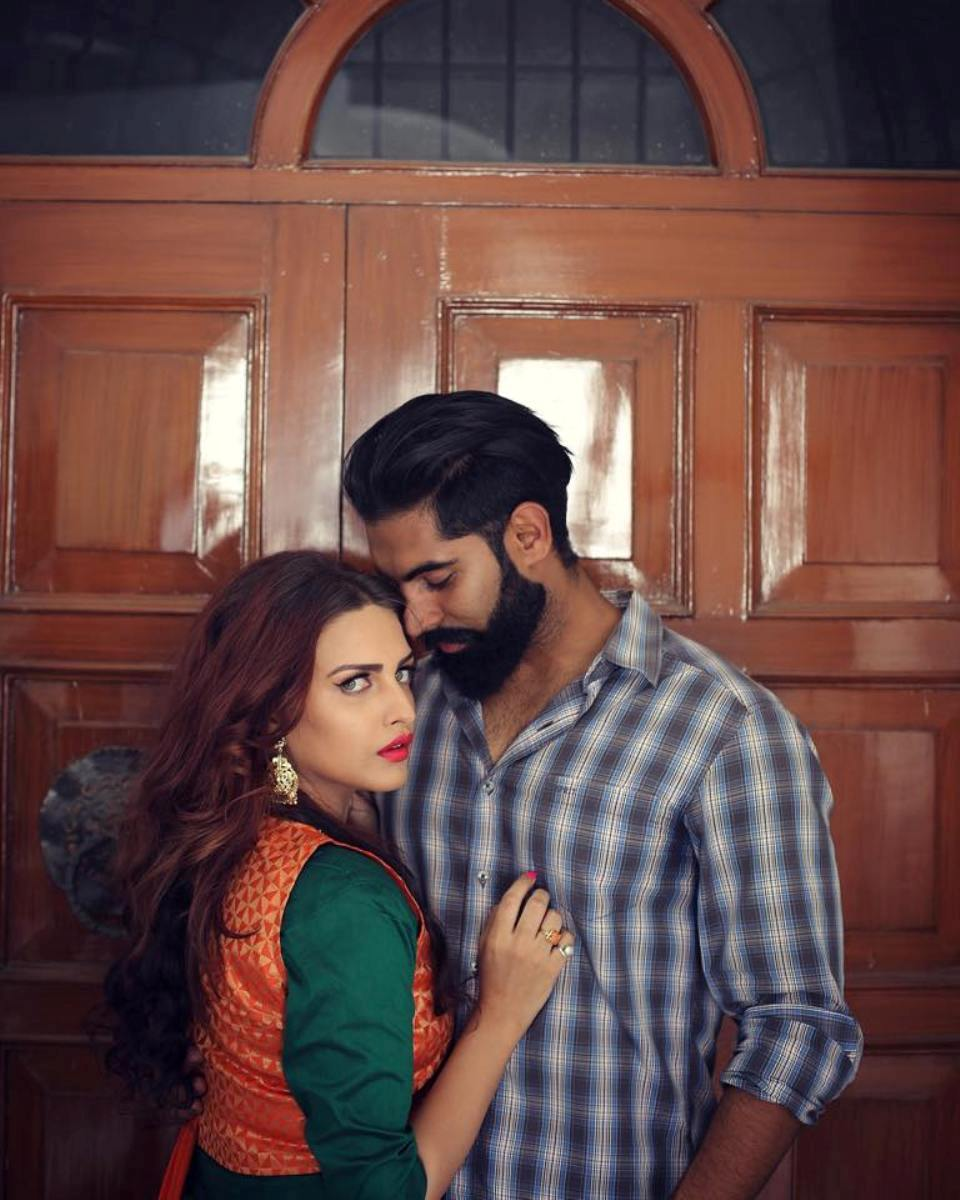 Download Sad Wallpapers With Beautiful Quotes Parmish Verma With Himanshi Khurana Desicomments Com