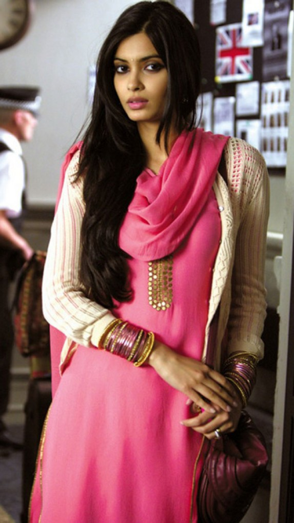 Download Sad Wallpapers With Beautiful Quotes Diana Penty In Pink Dress Desicomments Com