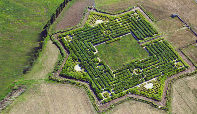 bamboo labyrinth by franco maria ricci in fontanellato near parma - labyrinth garden design