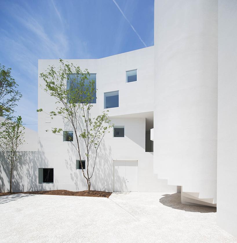 hiroyuki arima + urban fourth build u0027angleu0027 house in fukuoka - room rental contract