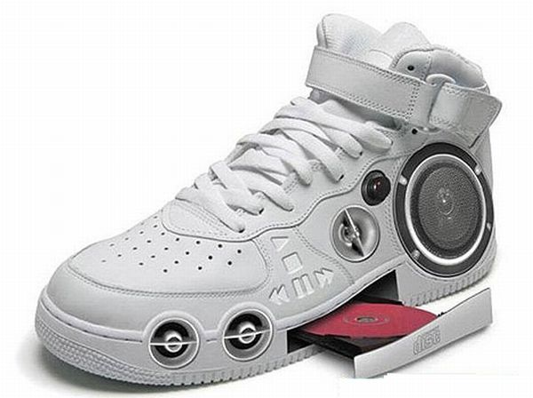 Hi-tech MP3 shoes