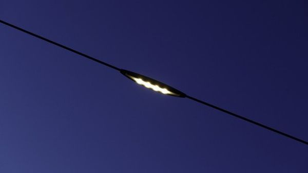 Poleless street lighting system