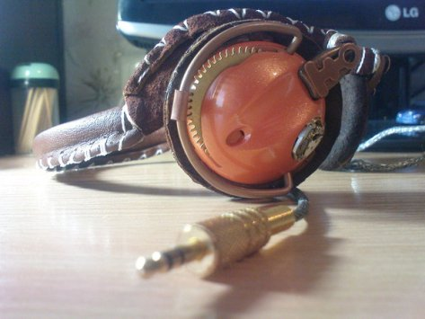 Steampunk headphones by Tokaracer