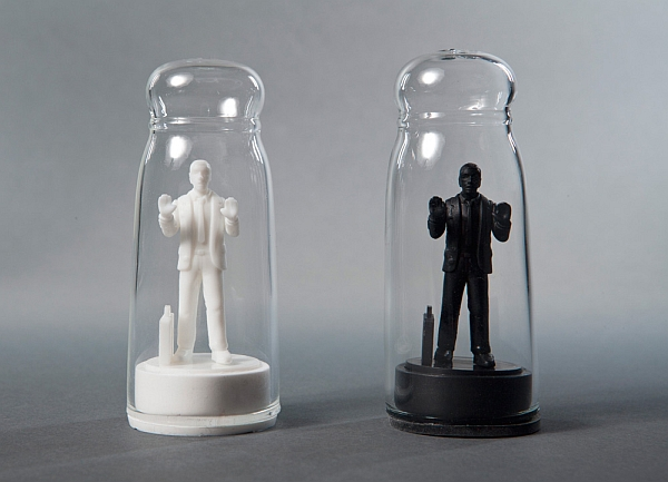 drowning_in_debt_salt_and_pepper_shaker_set_ey5bt