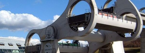 The Falkirk Wheel is a rotating boat 2