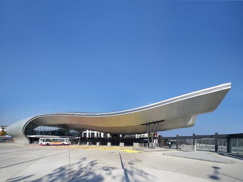 Car In Desert Hd Wallpaper The World S 10 Best Designed Bus Stations Designcurial