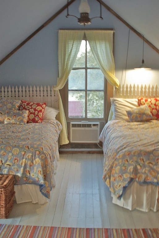 girls room love the white wood floors and the cowgirl bedding too