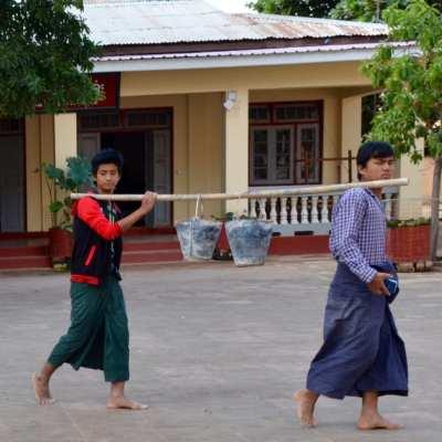 Wearing longyi in Myanmar
