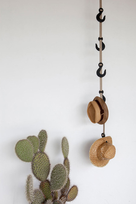 eco-friendly-coat-rack-600x899
