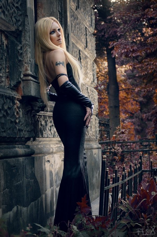 Beautiful Girl Lips Wallpaper Weird Yet Wonderful Gothic Fashion Photography