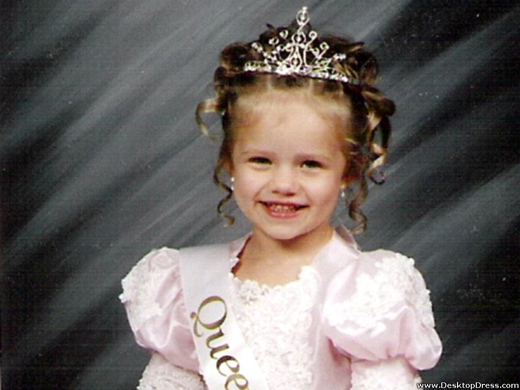 Little Girl With Flowers Hd Wallpaper Desktop Wallpapers 187 Babies Backgrounds 187 Cute Angel