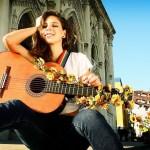 Guitarra y pensar en lo lindo