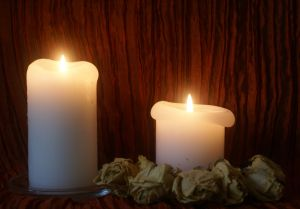 1085067_white_candles