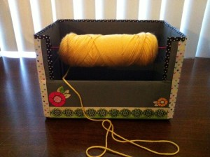 How to Make a Yarn Spool Box {diy}