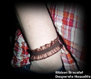 Brown Stretchy Cuff Bracelet Tutorial