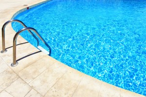 How To Keep Your Pool Clean This Summer (Minus The Harsh Chemicals!)