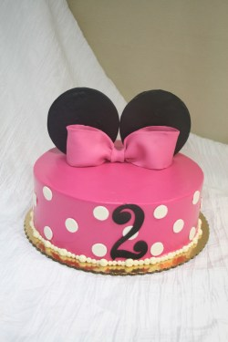 Small Of Minnie Mouse Cakes