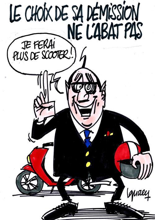 ignace_francois_hollande_demission_scooter-mpi